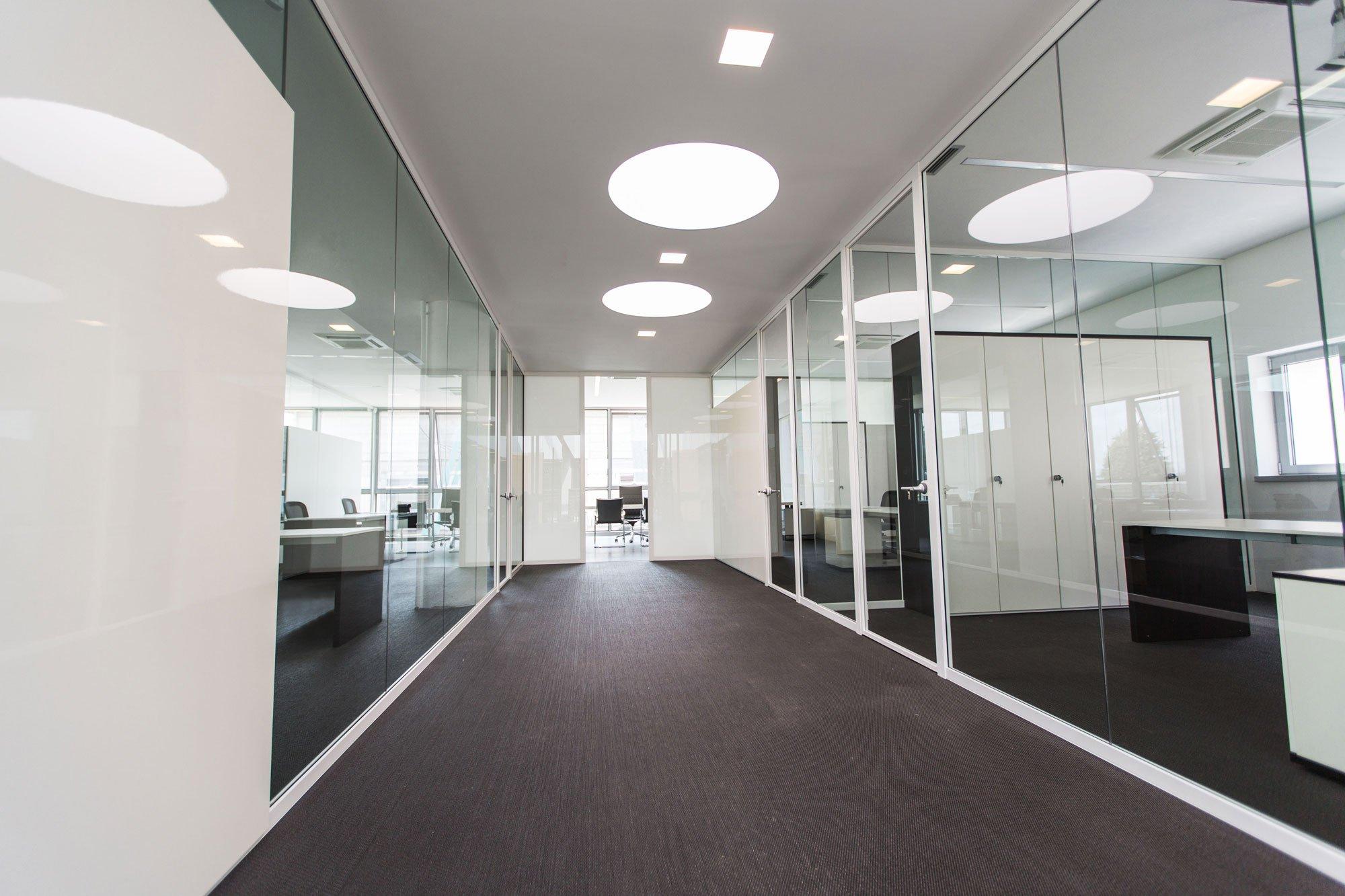 Illuminazione per uffici a led: sistemi di illuminazione per interni