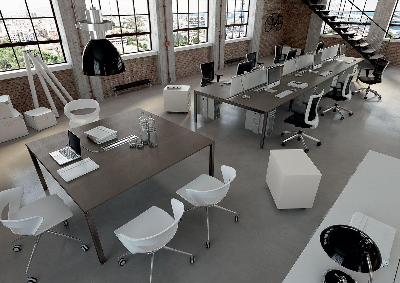 Arredo ufficio personalizzato for Produzione mobili ufficio