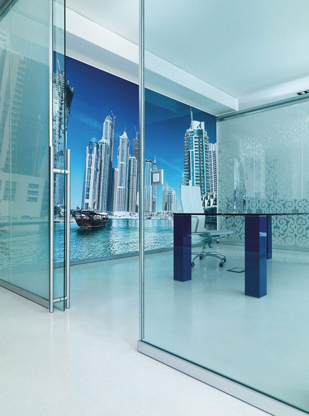 Pareti divisorie per ufficio lightwall arredamento per for Arredamento per ufficio
