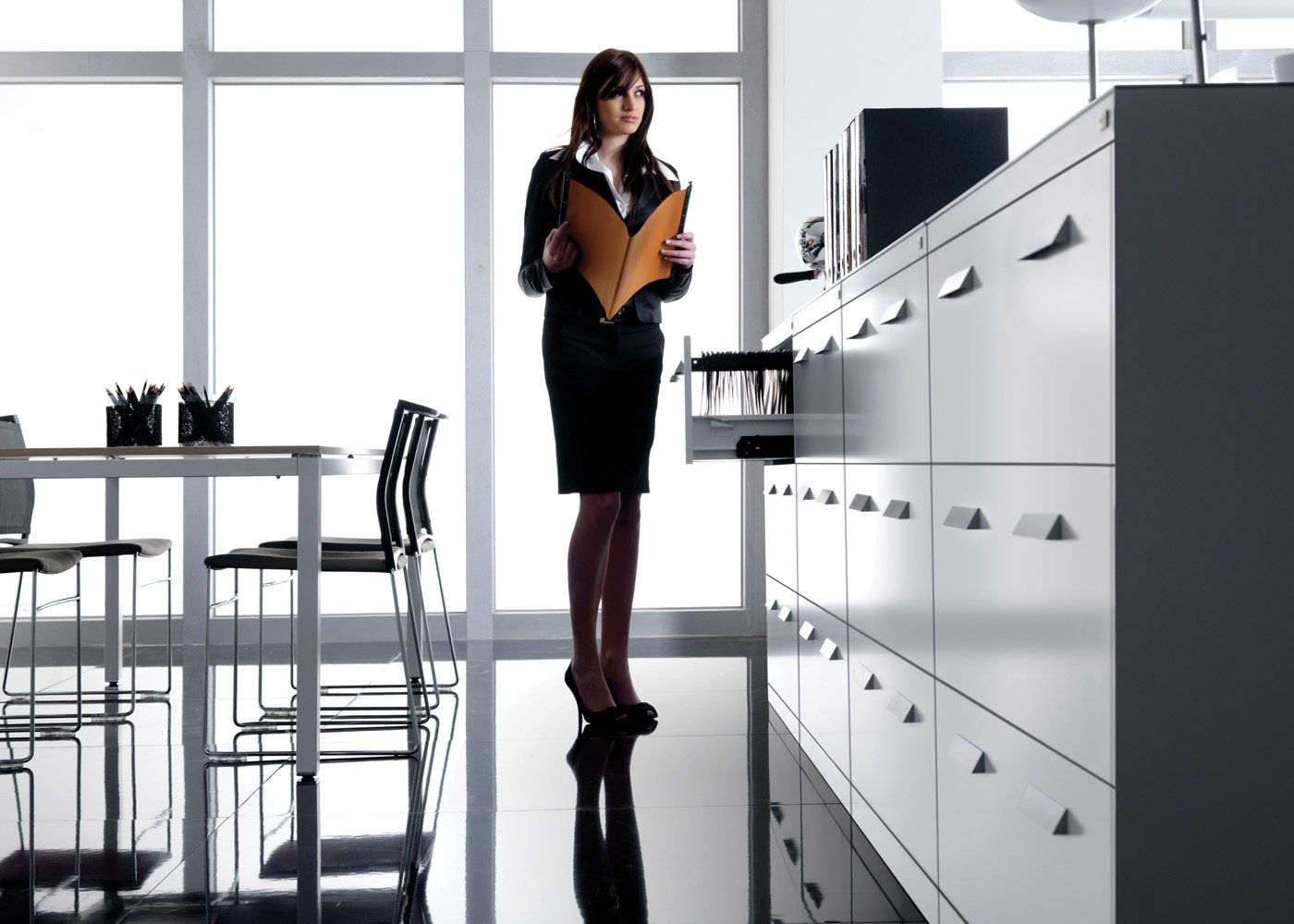 Armadi per ufficio arredoufficio arredamento per ufficio for Armadi per uffici