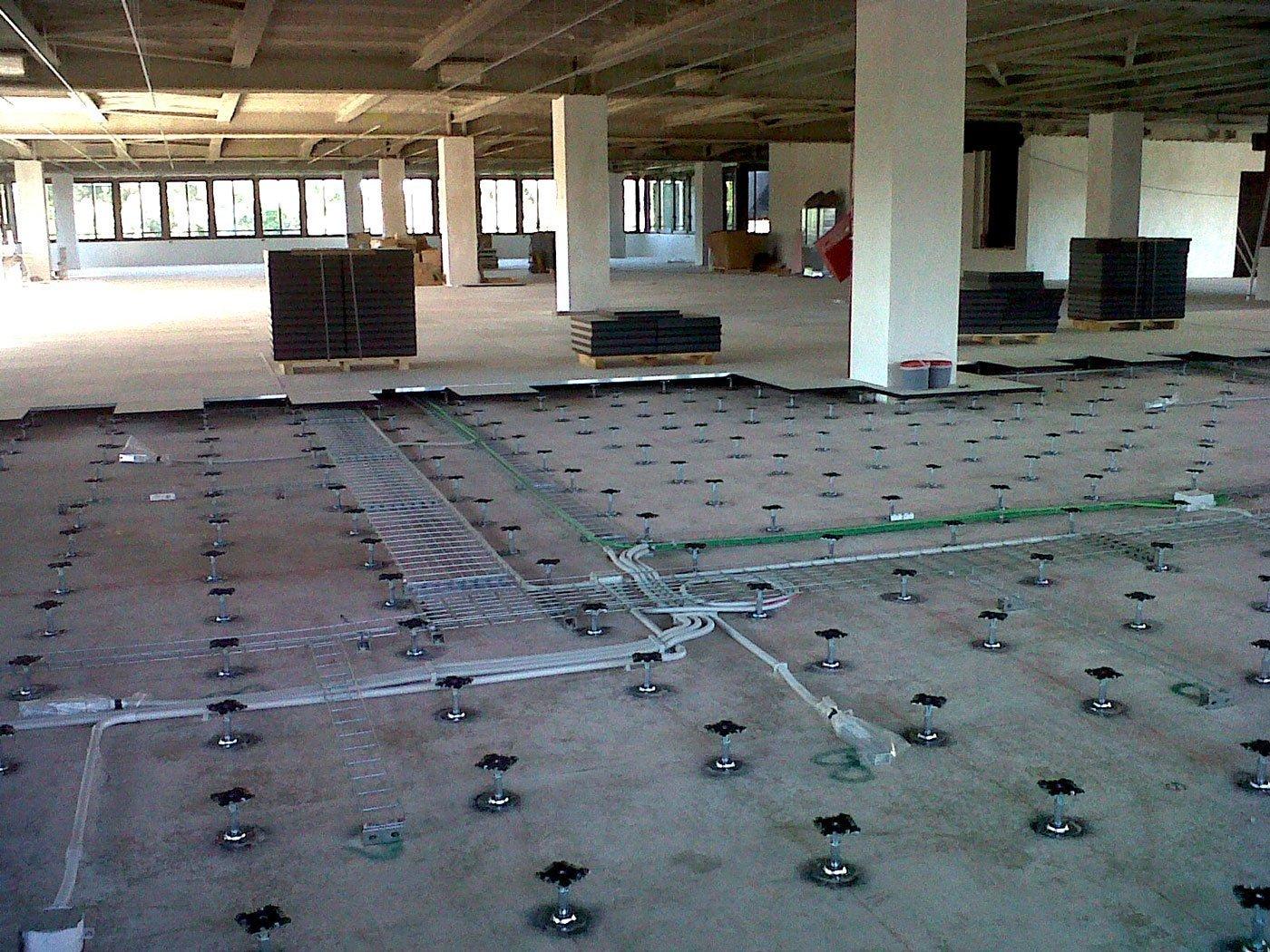Pavimenti sopraelevati per ufficio - Arredamento per ufficio