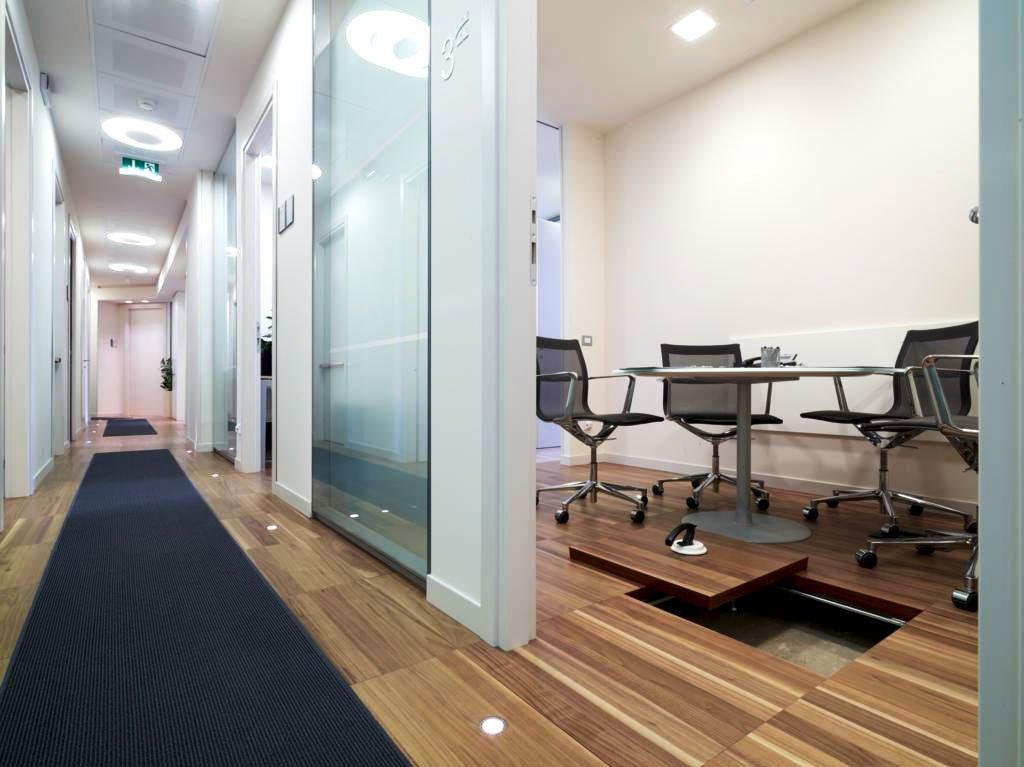 Pavimenti sopraelevati per ufficio arredamento per ufficio for Aziende design arredamento
